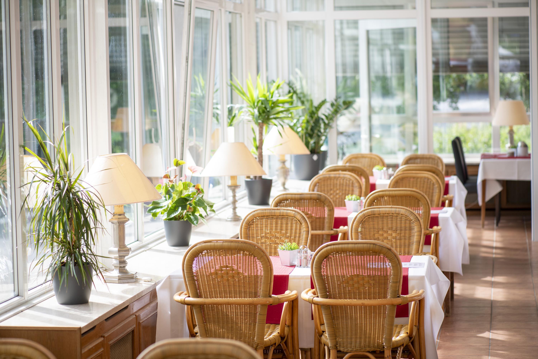 Hotel Cascades winter garden